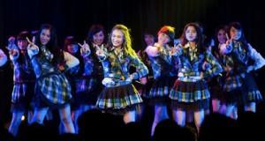 JKT48 - Jatuh Cinta Setiap Bertemu Denganmu | Kimi ni Autabi Koi wo Suru